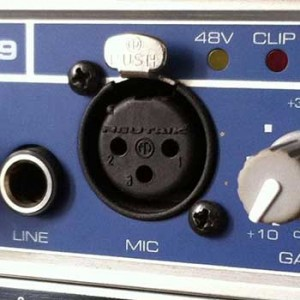Ein Mikrofoneingang an einem Audio-Interface