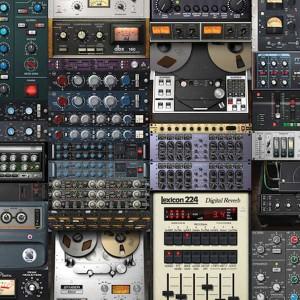 Geschichte der Musikproduktion - Bild zeigt mehrer UAD Plugins