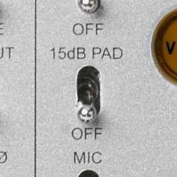 Der Mikrofon-Preamp (Vorverstärker) - Bild eines PAD-Schalters an einem Mikrofonvorverstärker