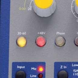 Der Mikrofon-Preamp (Vorverstärker) - Bild eines Schalters für Phantomspreisung an einem Mikrofonvorverstärker