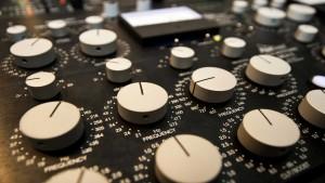 Was ist Mastering? - Bild eines Mastering Equalizers